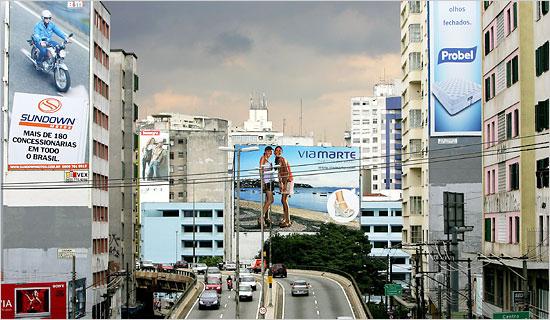 Sao Paolo con publicidad